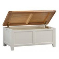 Hunt Blanket Box