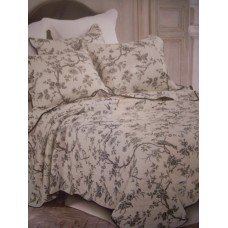 Black Forest Queen Quilt Set