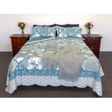 Blue Bouquet Queen Quilt Set